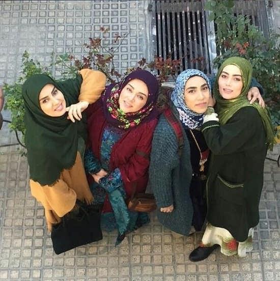 عکس ندا قاسمی و خواهرانش در سریال نون خ (دختران نورالدین خانزاده)