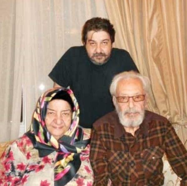 عکس سام مشایخی و پدر و مادرش