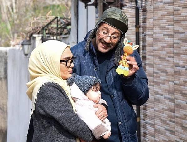 محمد نادری ، زهره فکورصبور و نفس کرمانی بازیگران سریال دنگ و فنگ روزگار