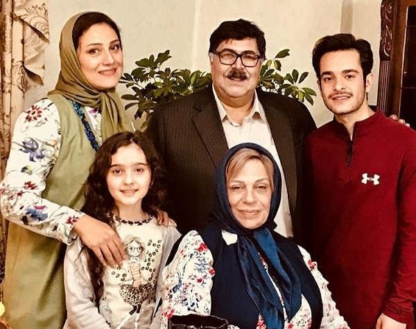 عکس خانواده شرافت در سریال هیولا