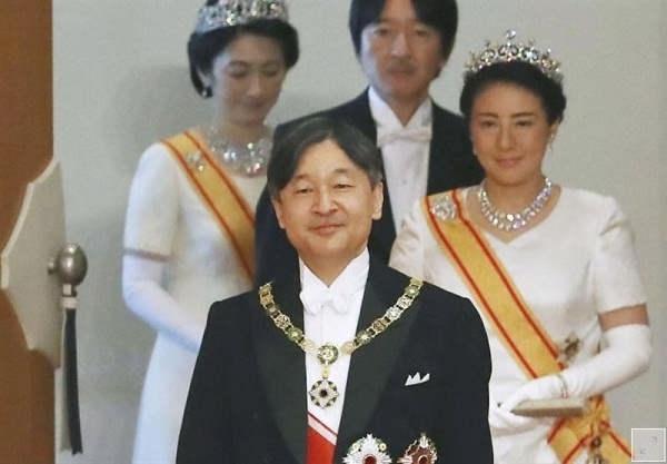 امپراتور ژاپن کیست؟
