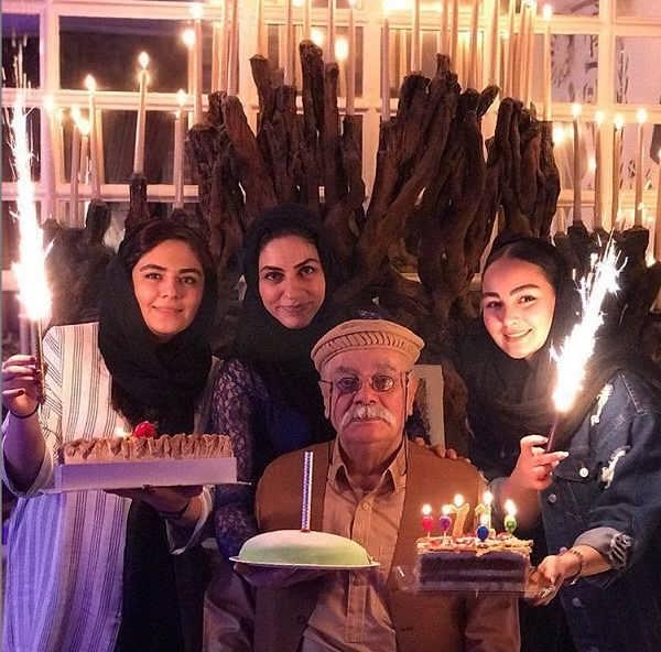 عکس تولد چنگیز وثوقی در کنار همسر سوم و دو دخترش