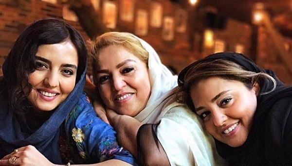 عکس سارا محمدی در کنار خواهر و مادرش