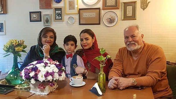 عکس سپیده خداوردی و پدر و مادرش و پسرش سانیار