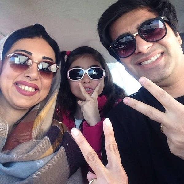 عکس مهدی عبادتی و همسرش و دخترشان آسمان