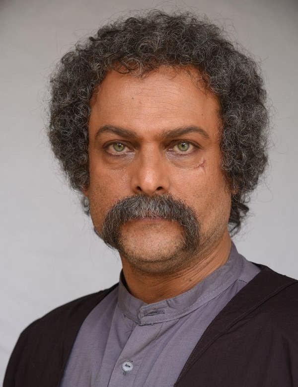 حسین یاری بازیگر آتش و قداره