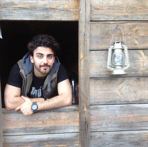 عکس محمد صادقی بازیگر نقش آبتین در سریال مانکن