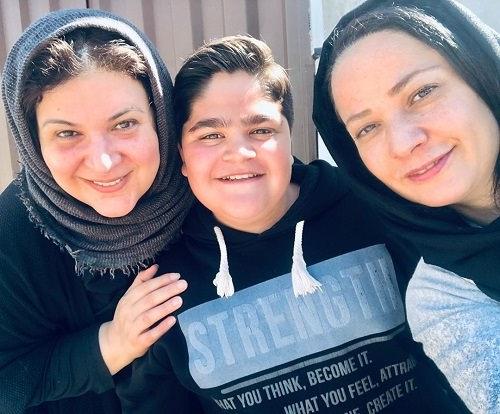 عکس ابولفضل رجبی در کنار ریما رامین فر و نسرین نصرتی