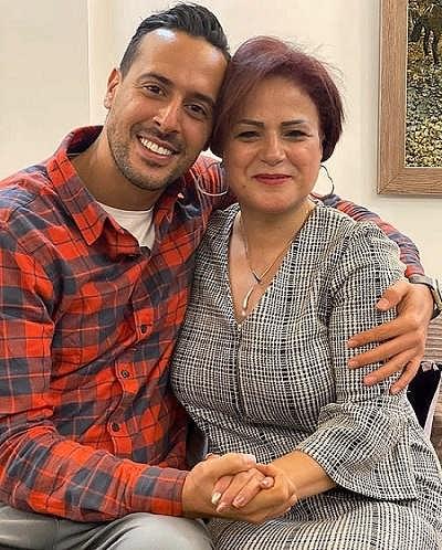 عکس ایلیا کیوان و مادرش