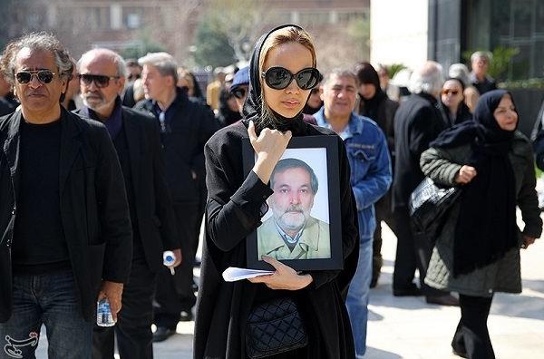 عکس مراسم تشییع جنازه خسرو شجاع زاده بازیگر نقش جمال در پدر سالار