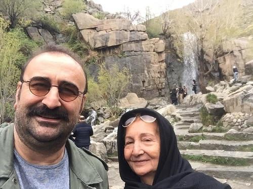 عکس مهران احمدی و مادرش