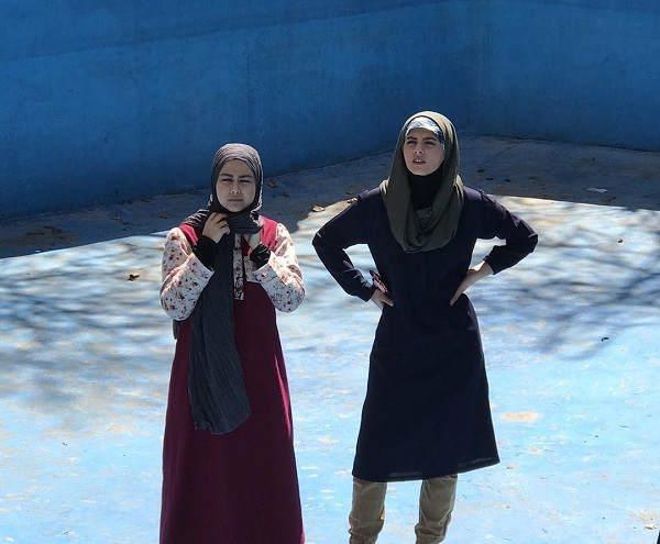 عکس مهسا طهماسبی بازیگر نقش آتوسا در سریال دیوار به دیوار
